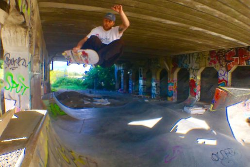Peter stege Flying under da bridge.