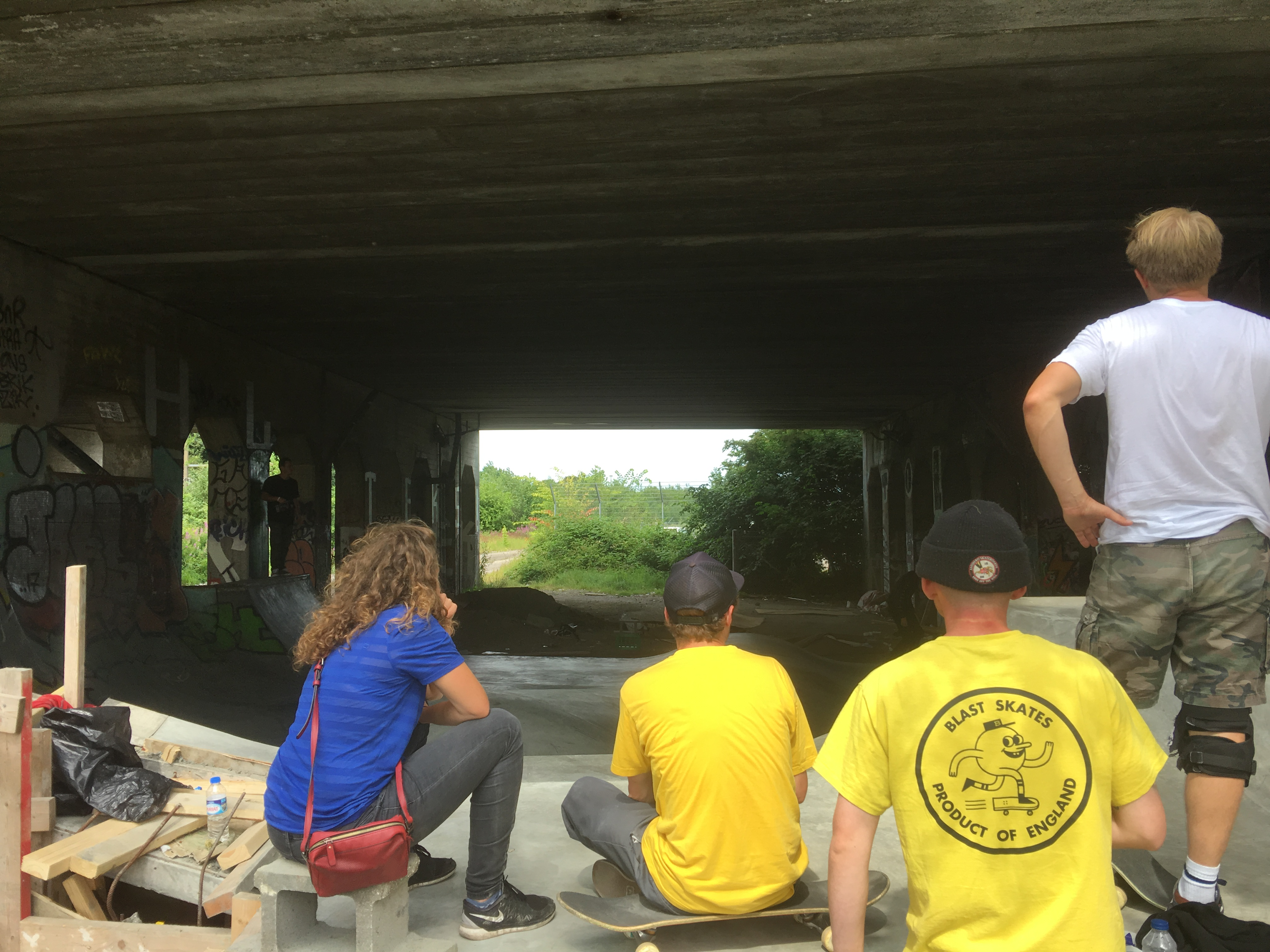 Next stop, under da bridge, this spot was packed with skaters from France, England, Russia.