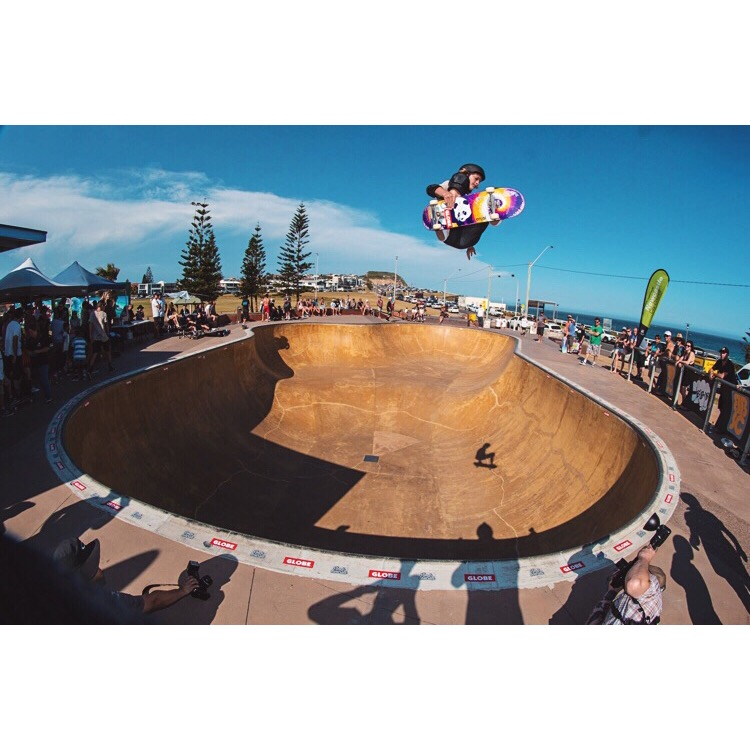 Frontside air at Bar Beach bowl. PC: Mark Woolley