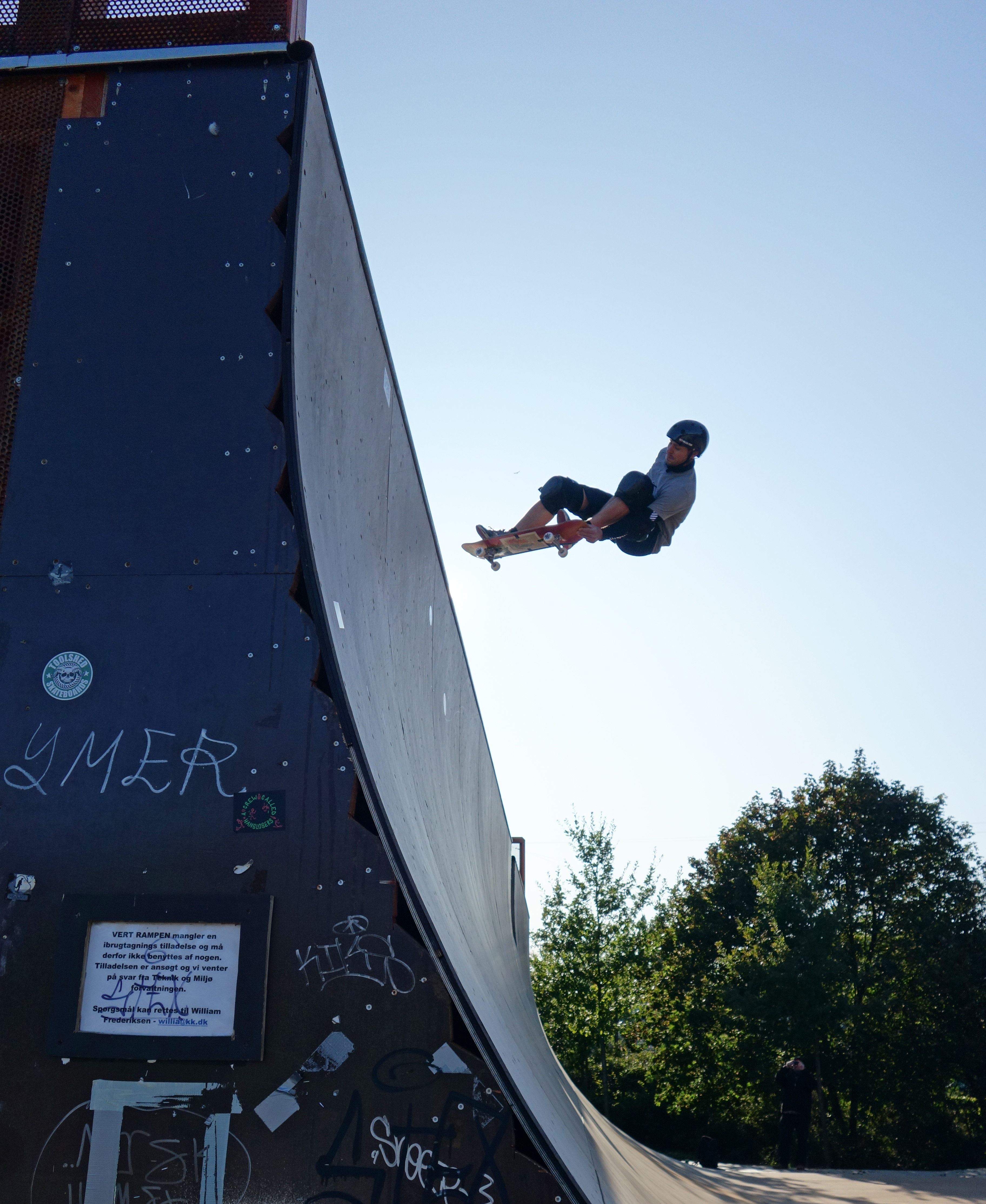 We love the poster on the side of the ramp, Bo larsen coming down from a lien air