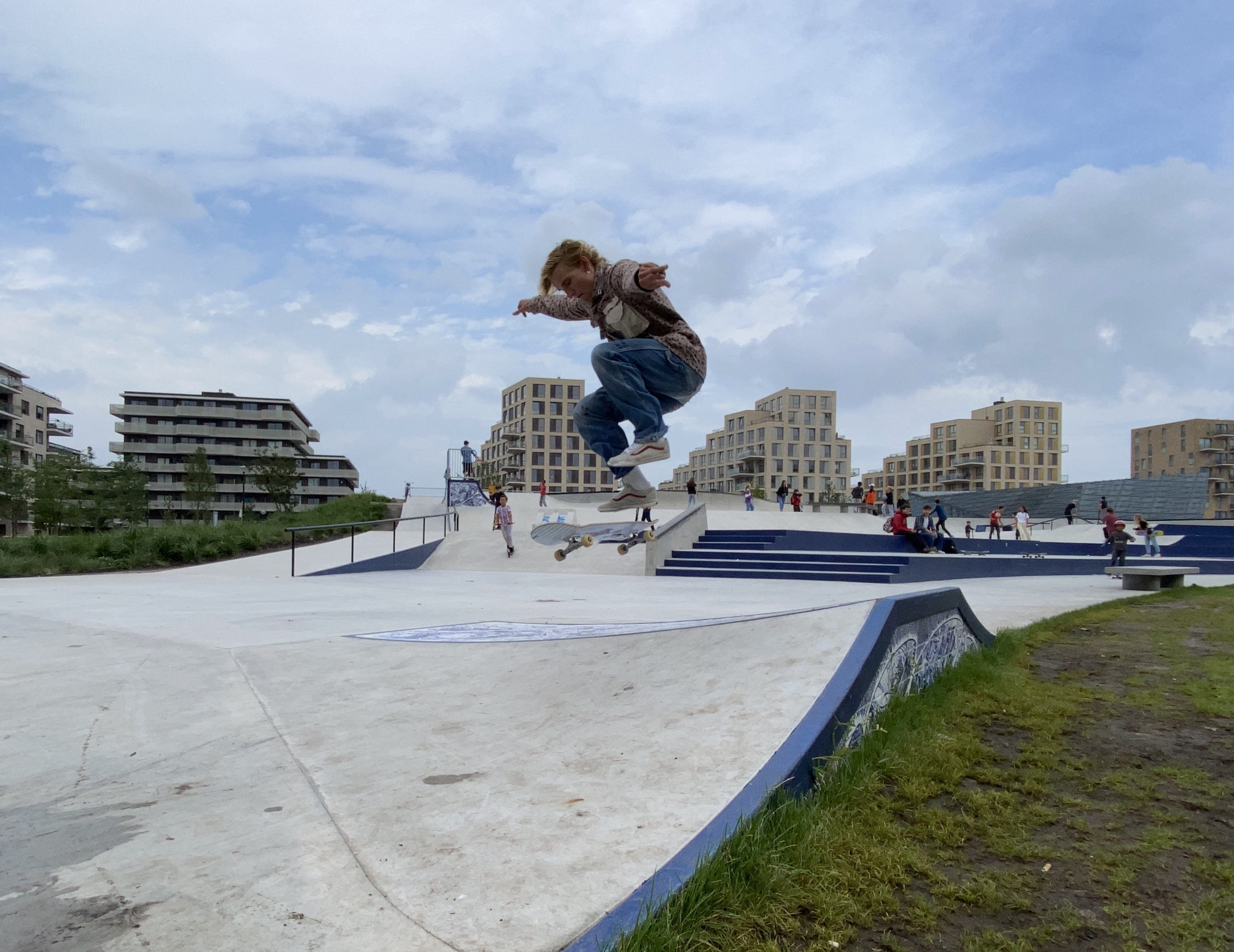 We meet Mads, he kick flips like a mad man.