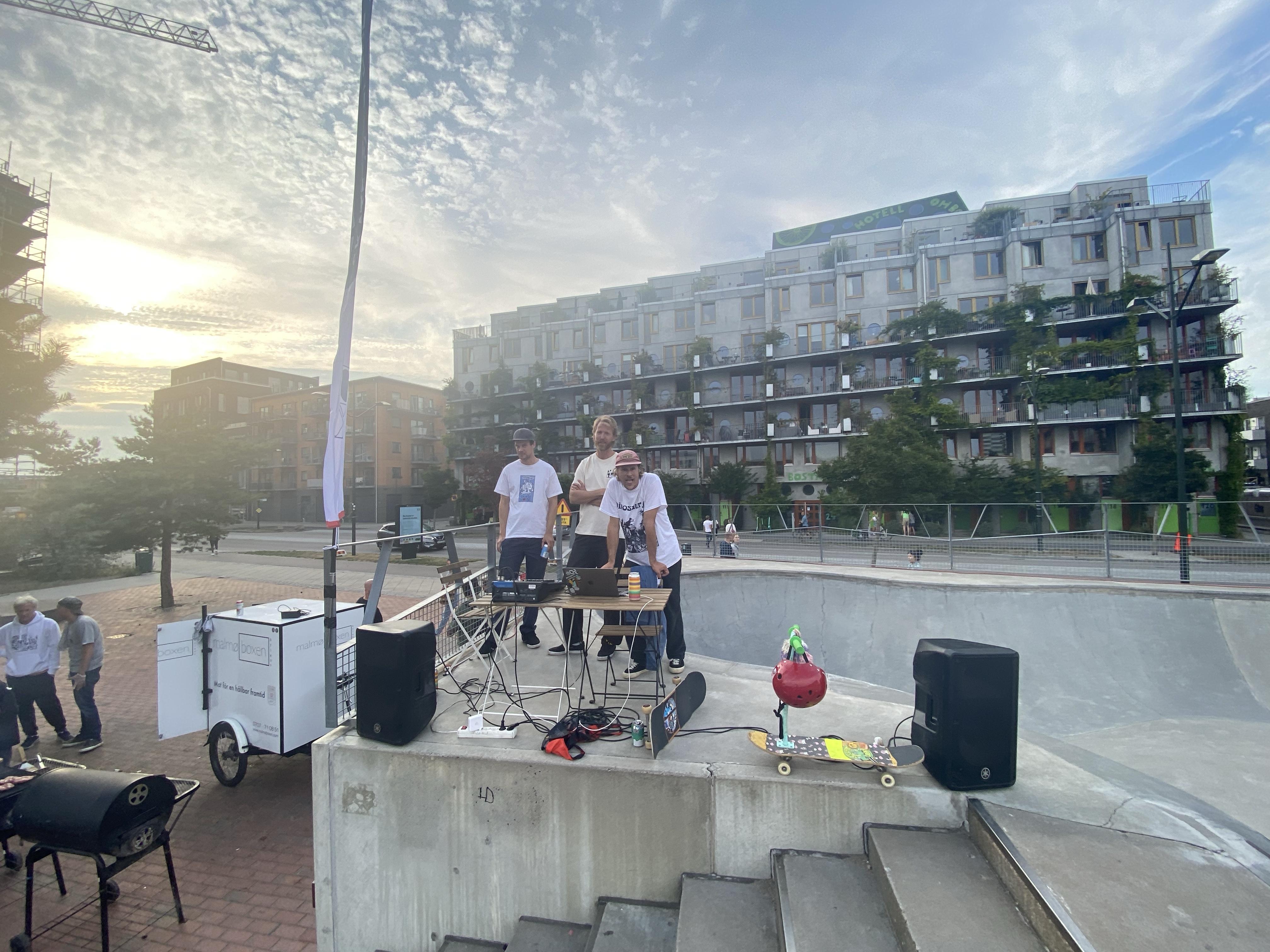 DJS on stage
